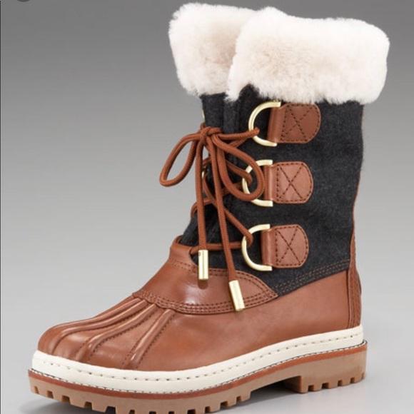 94efd9413298 Tory Burch Shearling Duck Boots. M 5b13f6b134a4ef79897812ce